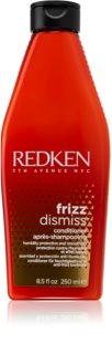 Redken Frizz Dismiss uhladzujúci kondicionér pre nepoddajné a krepovité vlasy