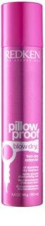 Redken Pillow Proof Blow Dry Trockenshampoo für die Aufnahme von überschüssigen Talg für ein frische Frisur