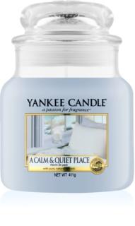 Yankee Candle A Calm & Quiet Place vonná svíčka 411 g Classic střední