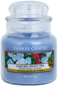 Yankee Candle Garden Sweet Pea Mirisna svijeća 104 g Classic mala
