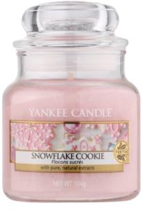Yankee Candle Snowflake Cookie vonná svíčka 104 g Classic malá
