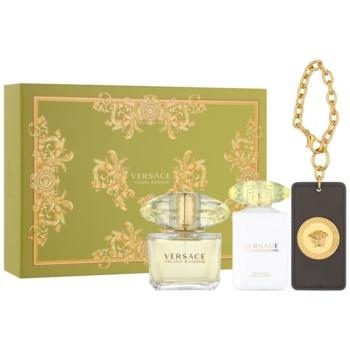Versace Yellow Diamond kit regalo XI eau de toilette 90 ml + latte corpo 100 ml + etichetta per valigia