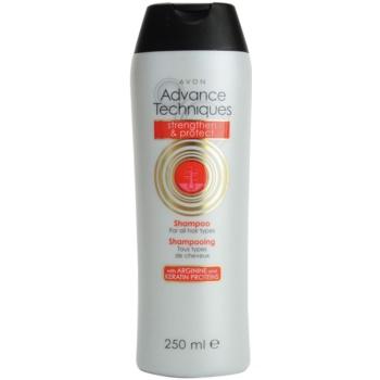 Avon Advance Techniques Strengthen and Protect posilující šampon pro všechny typy vlasů