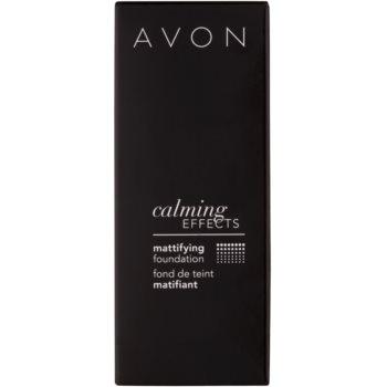 Avon Calming Effects Mattifying успокояващ фон дьо тен за матиране 3