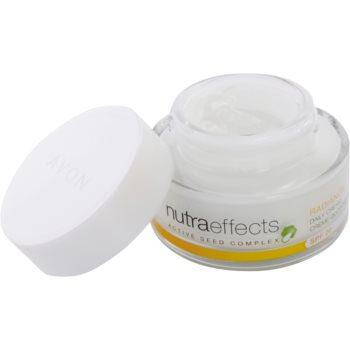 Avon Nutra Effects Radiance aufhellende Tagescreme SPF 20 1