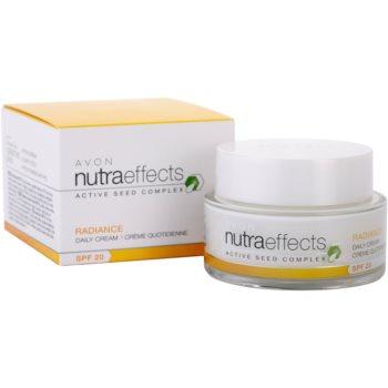 Avon Nutra Effects Radiance aufhellende Tagescreme SPF 20 3