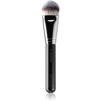 BrushArt Professional Foundation Brush Flat pensula pentru aplicarea produselor cu consistenta lichida sau cremoasa