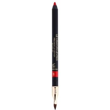 Fotografie Chanel Le Crayon Levres konturovací tužka na rty s ořezávátkem odstín 95 Scarlet 1 g
