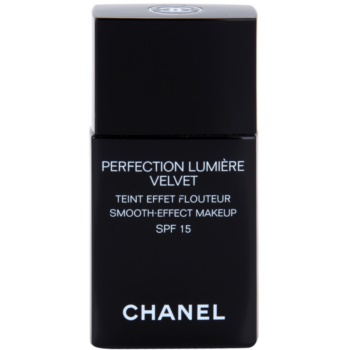 Chanel Perfection Lumière Velvet make-up fin pentru un aspect mat