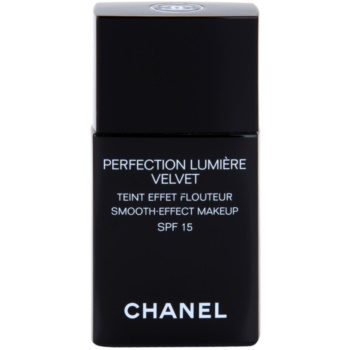 Chanel Perfection Lumiére Velvet make-up fin pentru un aspect mat