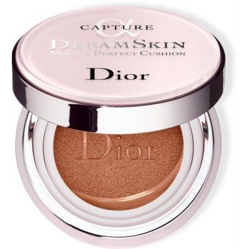 Dior Capture Dreamskin Moist & Perfect Cushion fond de ten hidratant, în burete SPF 50