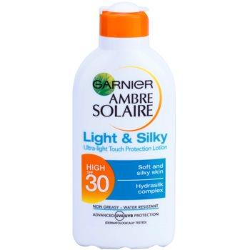 Garnier Ambre Solaire Light & Silky mleczko do opalania SPF 30