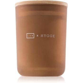 LAB Hygge Pleasure lumanari parfumate 210,07 g (Warm Fig)