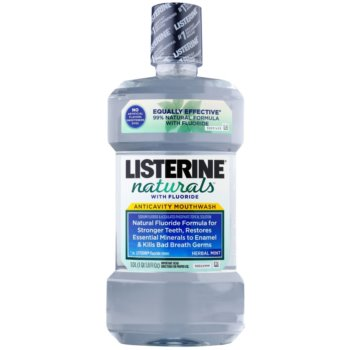 Listerine Naturals Herbal Mint apa de gura antiseptica cu flor