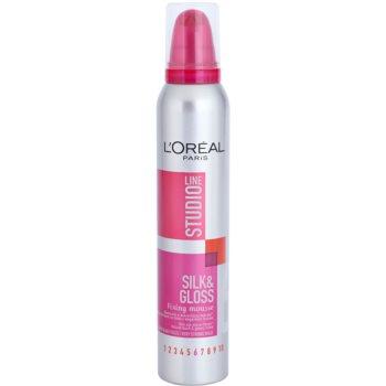 L'Oréal Paris Studio Line Silk&Gloss Fixing пінка для волосся сильної фіксації
