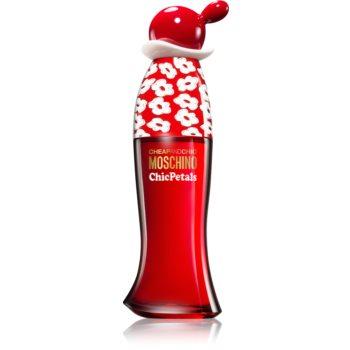 Moschino Cheap & Chic Chic Petals Eau de Toilette pentru femei