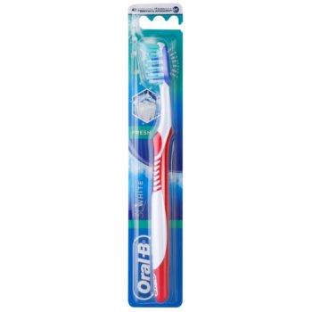 Oral B 3D White Fresh zobna ščetka medium