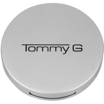 Tommy G Face Make-Up Sheer Finish pudra compacta pentru un look natural 1