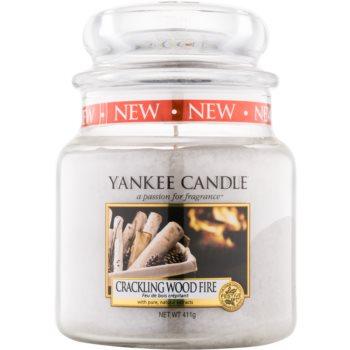Yankee Candle Crackling Wood Fire vonná svíčka Classic střední 410 g