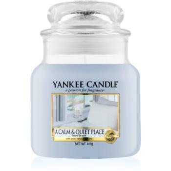 Yankee Candle A Calm & Quiet Place lumânare parfumată Clasic mediu