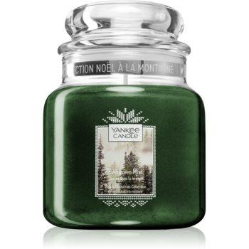 Yankee Candle Evergreen Mist lumânare parfumată Clasic mediu