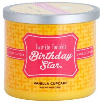 Yankee Candle Vanilla Cupcake świeczka zapachowa    (Twinkle Twinkle Birthday Star)