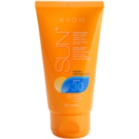 Refreshing Waterproof Sunscreen Moisturizer On Your Face SPF 30