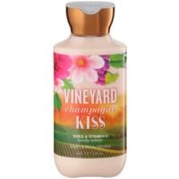 Bath & Body Works Vineyard Champagne Kiss Körperlotion für Damen 236 ml