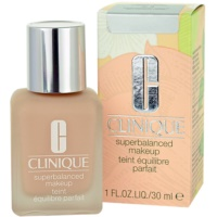 Clinique Superbalanced make up lichid