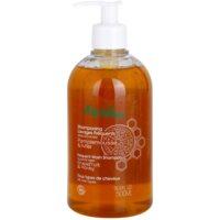 vlasový šampon s esenciálními oleji