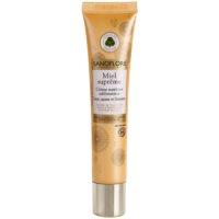 crema nutritiva lumineaza si catifeleaza pielea