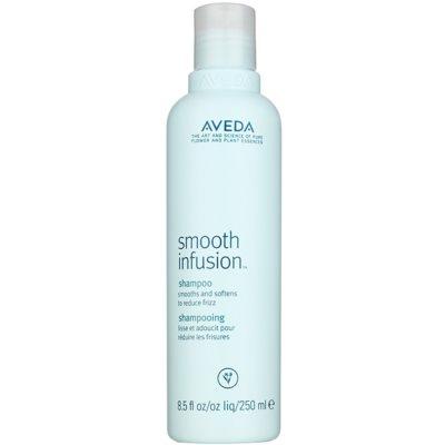 glättendes Shampoo gegen strapaziertes Haar