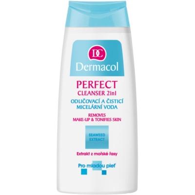 água micelar de limpeza para pele jovem