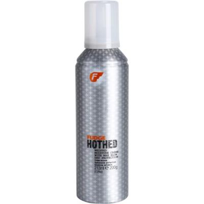 Der stärkende und regenerierende Schaum für von Wärme überanstrengtes Haar