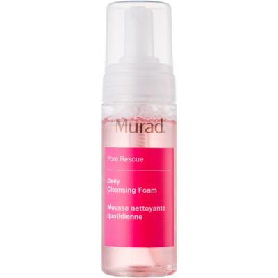 Reinigungsschaum für Haut mit kleinen Makeln