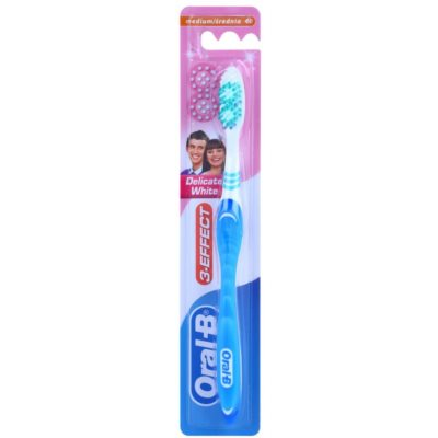 Oral B 3-Effect Delicate White Toothbrush Medium