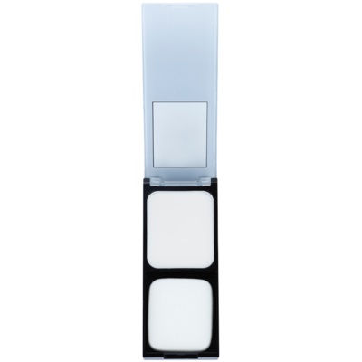 Make up-Basis für einen matten Look der Haut 2 in 1