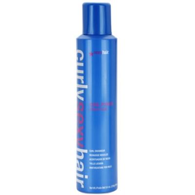 espuma para dar forma, volume e brilho ao cabelo encaracolado