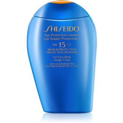 Shiseido Sun Protection lait solaire visage et corps SPF 15