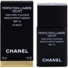 Chanel Perfection Lumière Velvet шовковистий тональний крем з матуючим ефектом