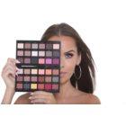 Makeup Revolution by Petra paleta senčil za oči
