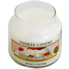 Yankee Candle Strawberry Buttercream vela perfumado 104 g Classic pequeno
