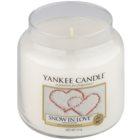 Yankee Candle Snow in Love vonná svíčka 411 g Classic střední