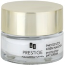 AA Prestige Age Corrector 40+ creme protetor anti-idade SPF 15 (Photo Stop Day Cream) 50 ml