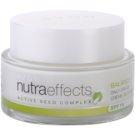 Avon Nutra Effects Balance matirajoča dnevna krema SPF 15  50 ml
