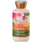 Bath & Body Works Vineyard Champagne Kiss Körperlotion für Damen 236 ml
