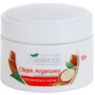 Bielenda Argan Oil nočna regeneracijska krema proti gubam za suho kožo (Coenzyme Q10, Hyaluronic Acid, Shea Butter) 50 ml
