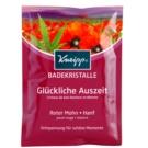Kneipp Bath pomirjajoča sol za kopel Red Poppy and Hemp 60 g