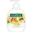 Palmolive Naturals Delicate Care sabão liquido para mãos com doseador (With 100% Naturals Almond) 300 ml