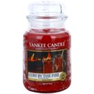 Yankee Candle Cosy By the Fire dišeča sveča  623 g Classic velika